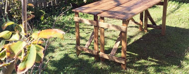 今回のDIYは、ガーデンテーブルです。