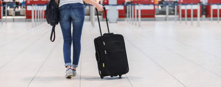 スーツケースは収納のしやすさとキャスターの動きが重要!